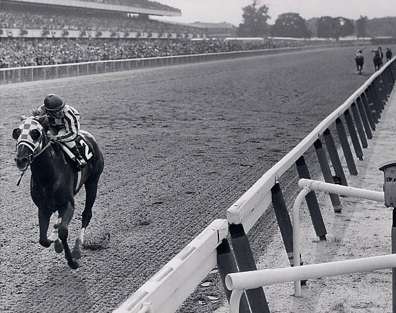 https://i2.wp.com/www.secretariat.com/wp-content/uploads/2010/05/Belmont_-Stakes_-31-lengths_photo1.jpg
