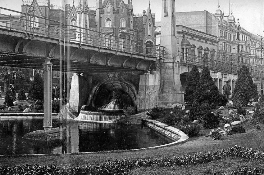 Image result for Berlin, Schoeneberg, Nollendorfplatz, U-Bahnhof, 1903