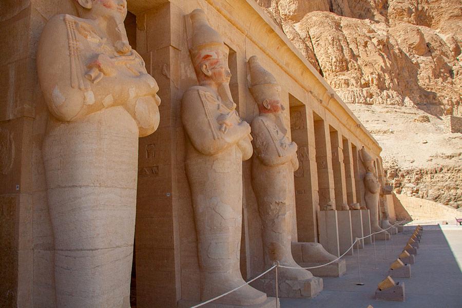 Осирические статуи Хатшепсут