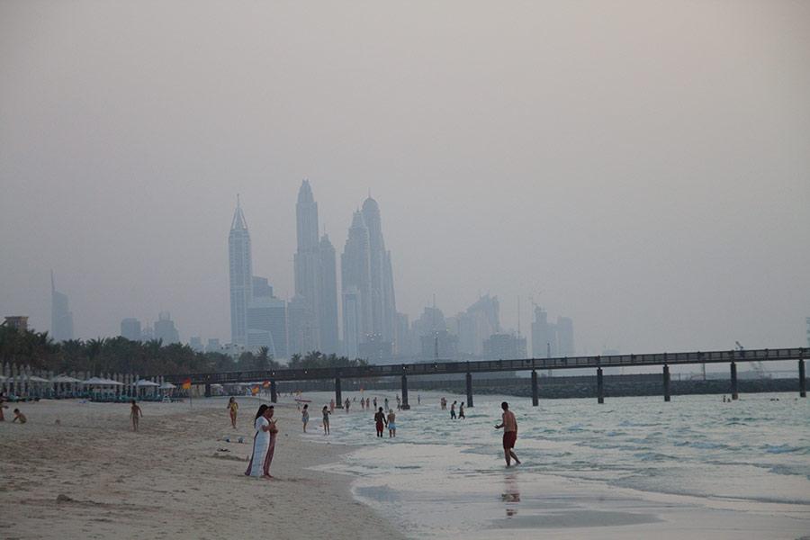 Высотки на горизонте — Dubai Marina