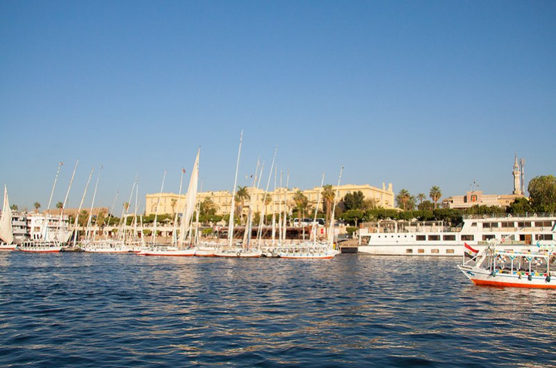 Нил и вид на гостиницу Winter Palace