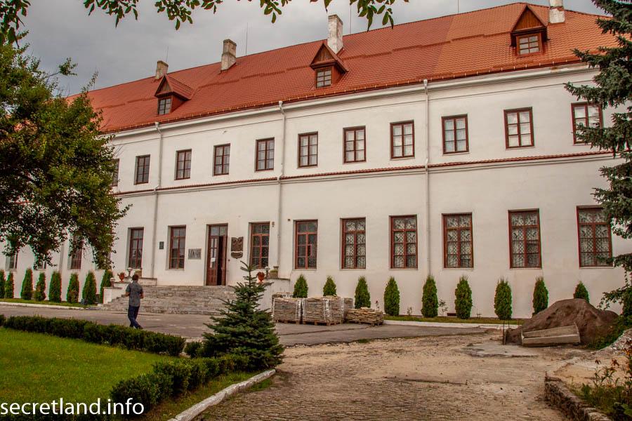 Дворец Любомирских в Дубно