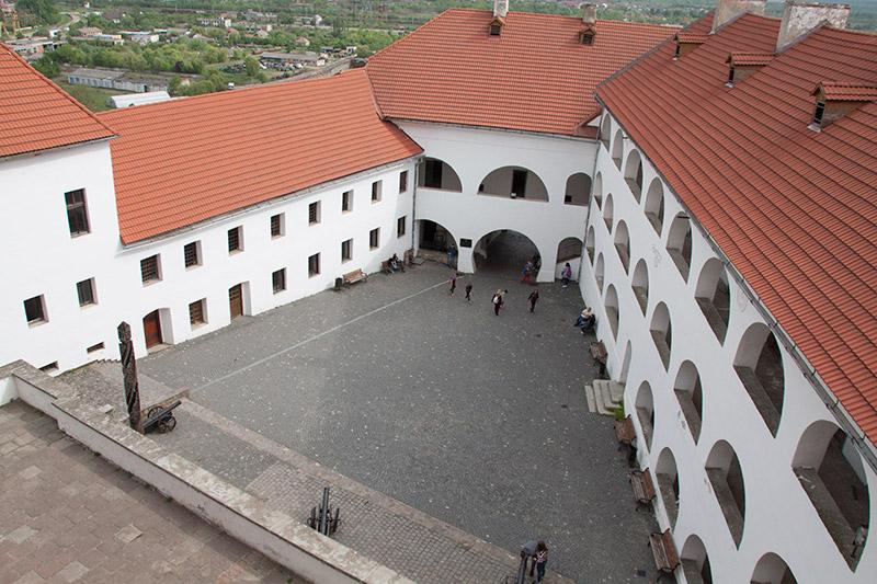 Замок «Паланок» в Мукачево