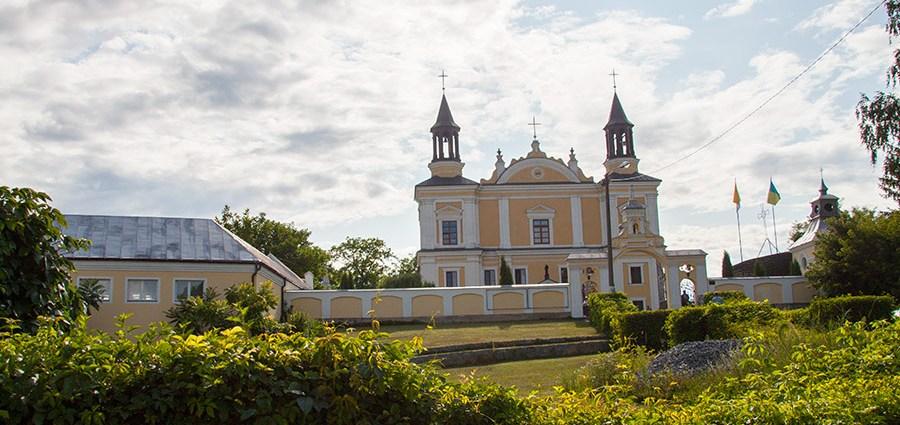 Костел Святой Анны в Полонном