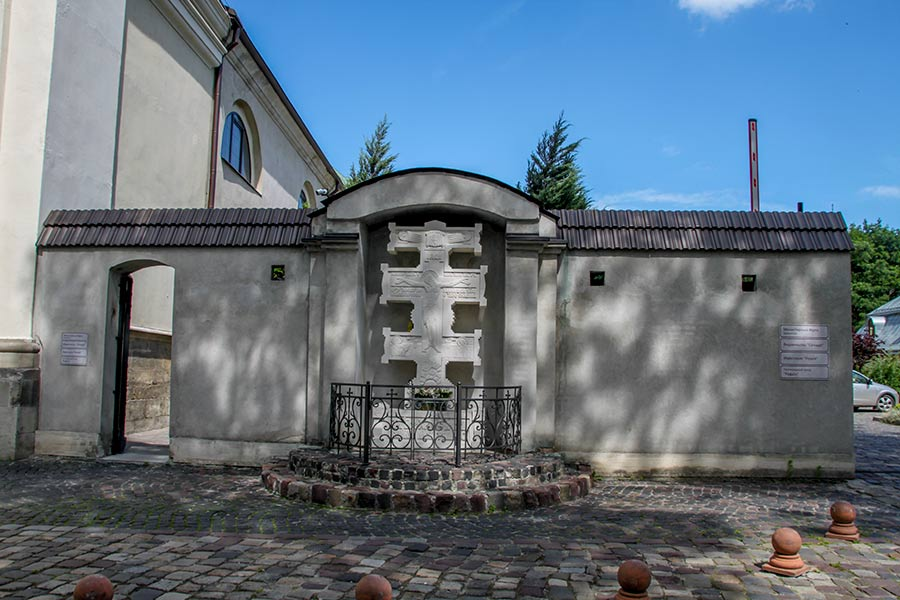 Костел босых кармелитов во Львове