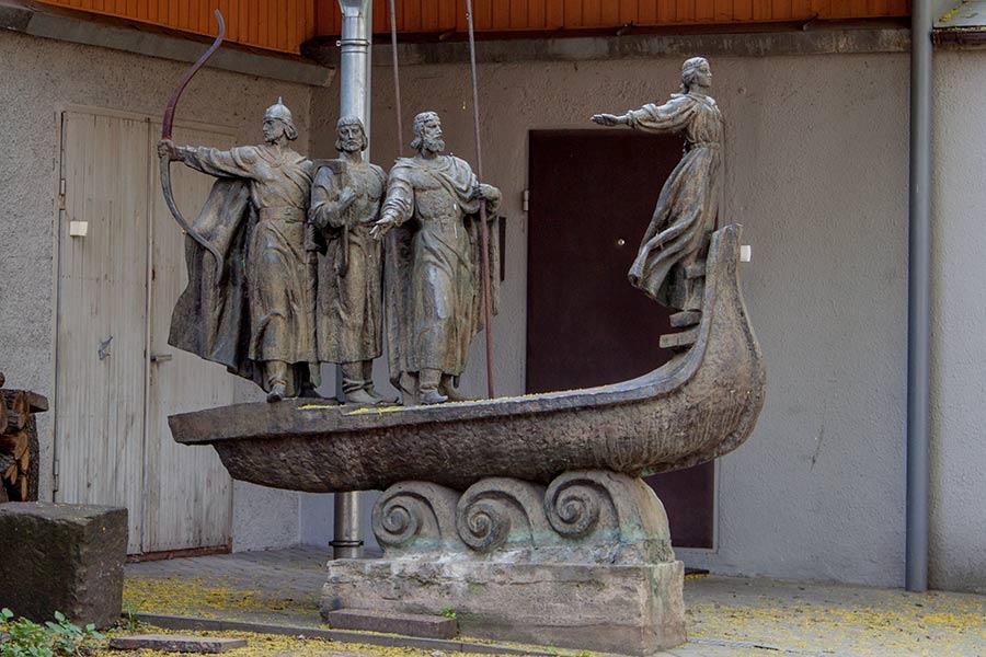 Копия памятника Основателям Киева