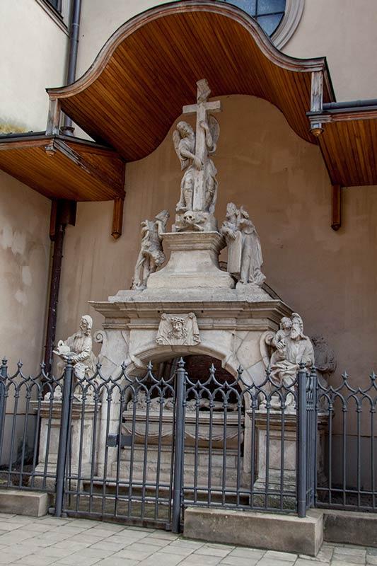 Скульптурная композиция «Гроб Господень»
