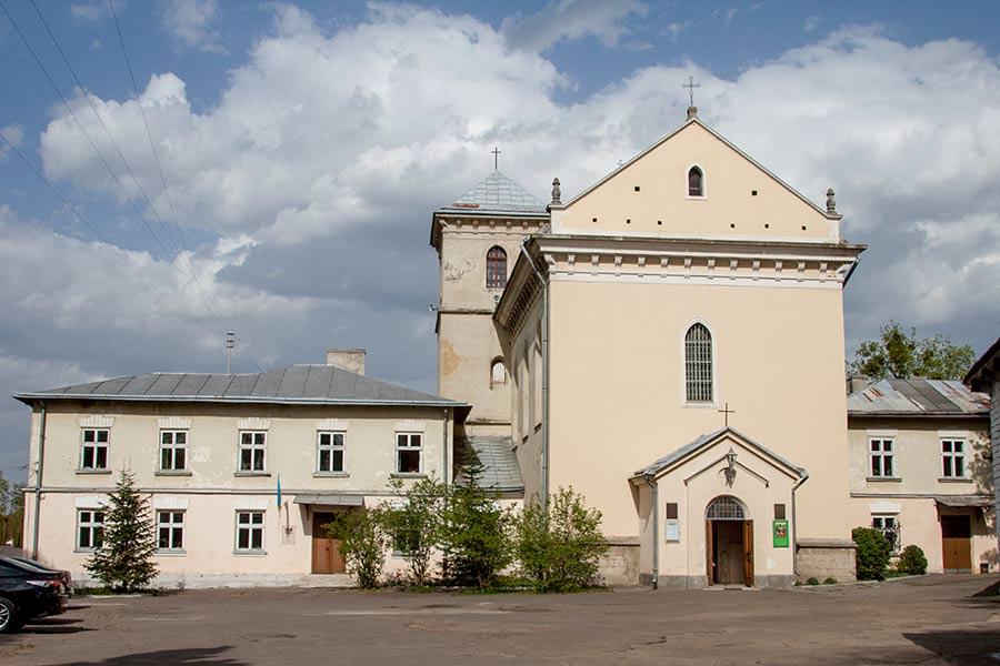 Костел Святого Лазаря