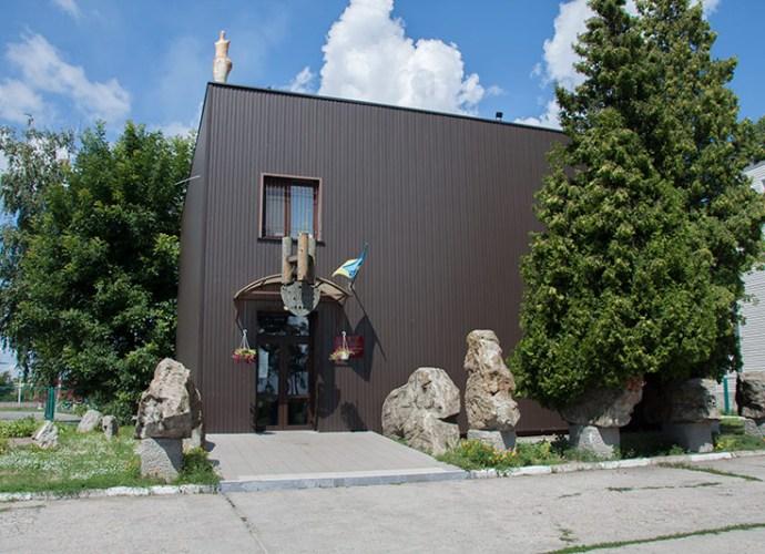 Киевский областной археологический музей в Триполье