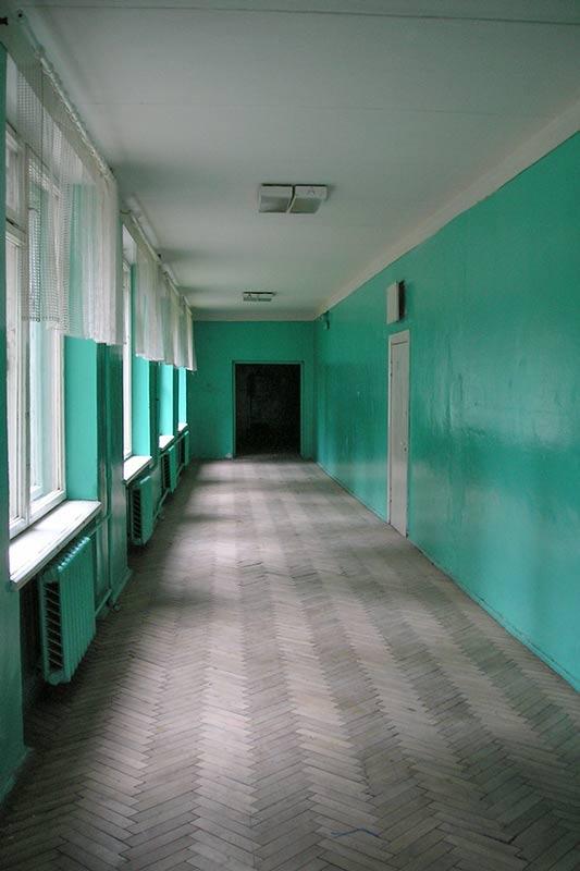 Скучный коридор на третьем этаже