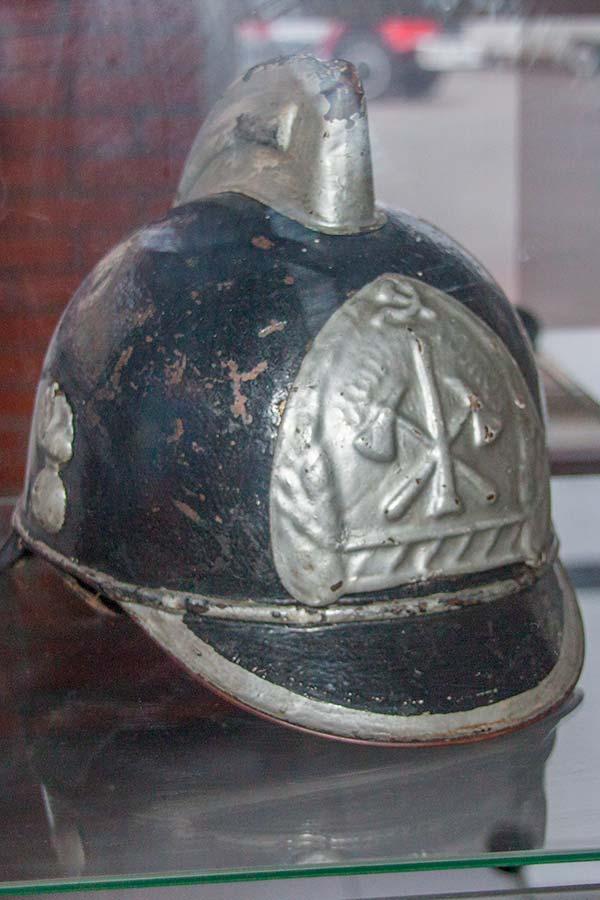 Пожарные каски