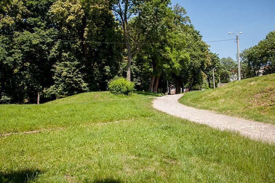 Парк на месте замка Бар
