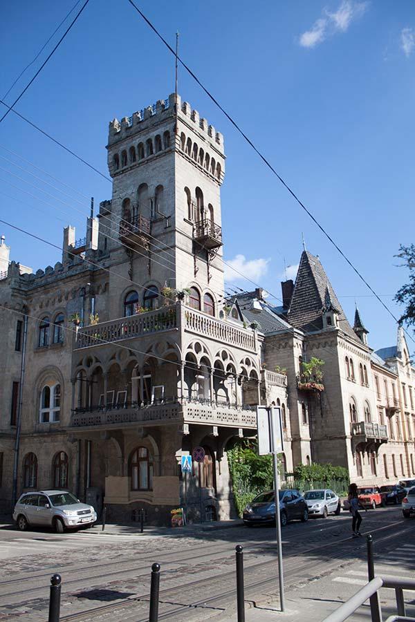 Замок Сосновского - дом на Генерала Чупринки 52