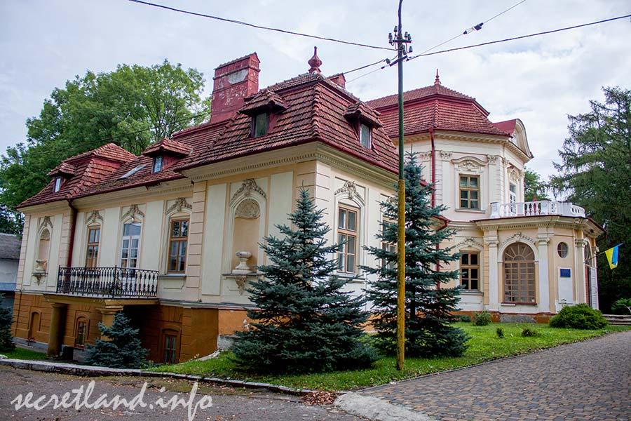Дворец Бруницкий в Великом Любине