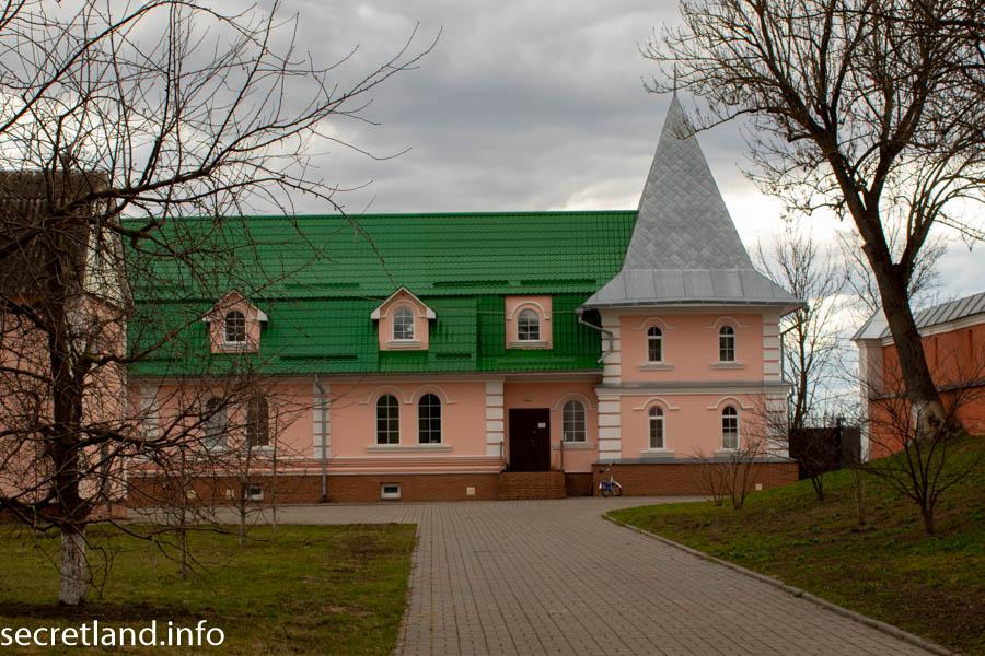 Свято-Троицкий Густынский монастырь