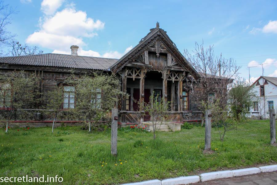 Дом врача в селе Мошны