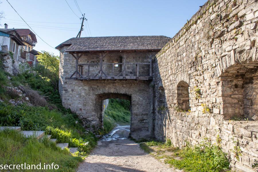 Південні ворота і Гловерівські стіни