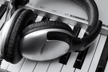 Keyboard synth and headphones