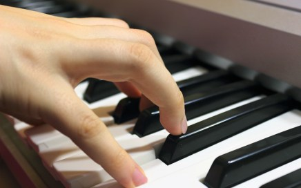 Keyboard player - songwriter - chord inversions