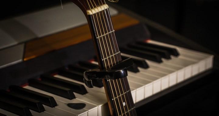 Piano and guitar - mixolydian mode