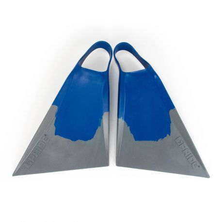 The new V3 PLC model offers more stiffness than any other fin in the Vulcan range. PLC has been working on this model for the last two years in order to design the perfect fins for his needs. They incorporate 40% of recycled rubber as all the other fins of the range in order to reduce our impact on rainforests and biodiversity.