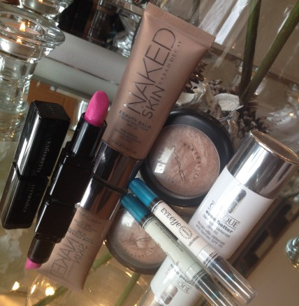 Holiday Beauty Essentials ♥