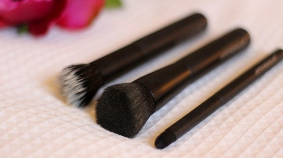 Flawless with the Japonesque® Complexion Trio