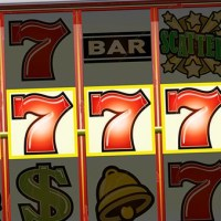 Los casinos online ya superan al póker por internet
