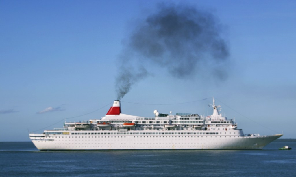 maritime-research - CO2 emissions Passenger Ships - Each Day A Cruise Ship Emits As Much Pollution As A Million Cars