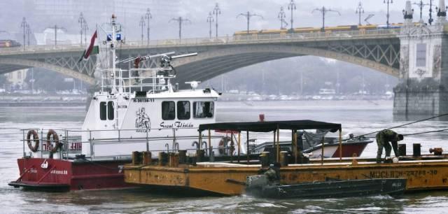 maritime-incidents - Hungary passenger ship sank korean - Hungary Tourist Boat Disaster 7 Dead 21 Missing