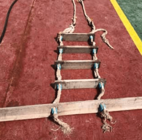 maritime-incidents - Pilot Ladder - Pilot Ladder Parted During Embarkation