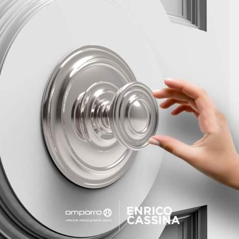 Circular shaped door handle with polished steel finish