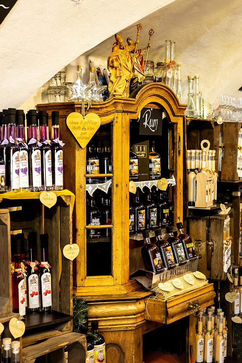 Geschäft in den alten Gemäuern der Klosterkellerei St. Wolfgang