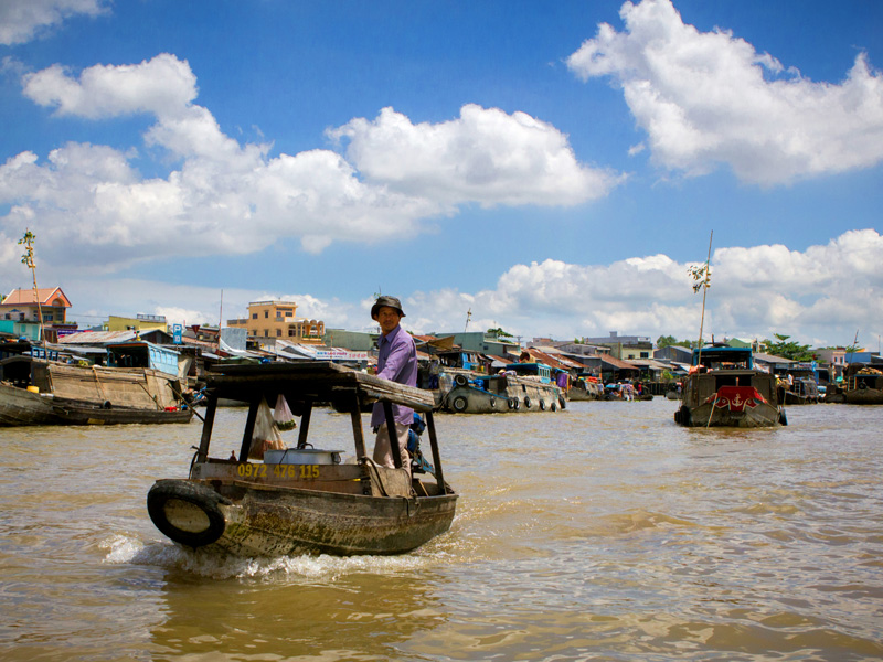 Mekong floating market tour