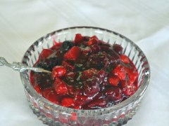 Spiced Cranberry Persimmon Sauce