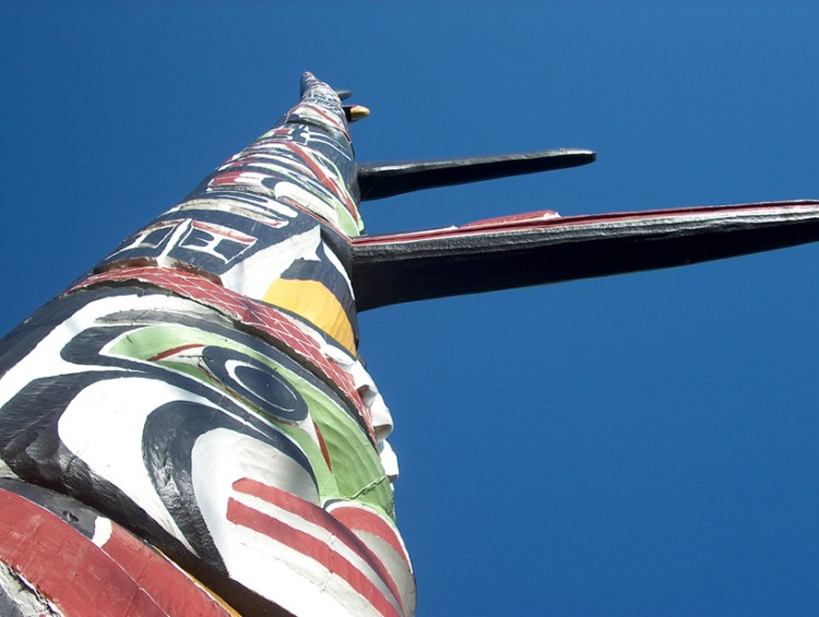 tallest totem pole in the world cool things to see in Victoria BC
