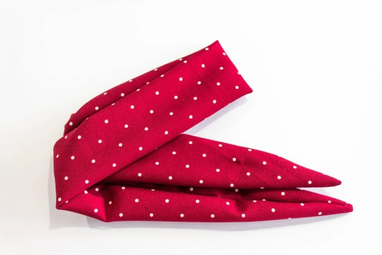 Neck scarf red with white dots