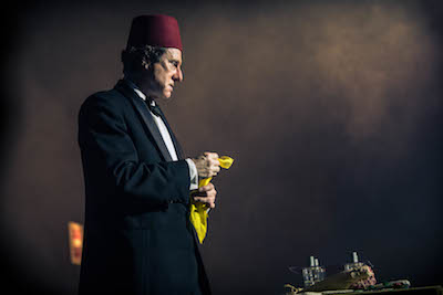 0822a65e016b67 DAVID THRELFALL as Tommy Cooper. Picture: ITV/Photographer: ROBERT VIGLASKY