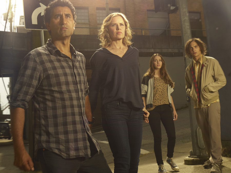 Cliff Curtis as Travis, Kim Dickens as Madison, Alycia Debnam Carey as Alicia  and Frank Dillane as Nick - Fear the Walking Dead _ Season 1, Gallery - Photo Credit: Frank Ockenfels 3/AMC