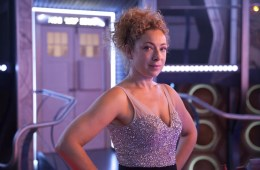 Alex Kingston to appear in Doctor Who Christmas special