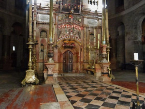 Church of the Holy Sepulchre overnight