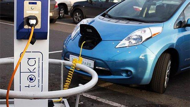 """В Украине больше 6000 """"зеленых"""" авто. Фото: autonews.autoua.net"""