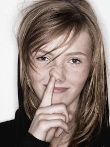 girl picking nose - girl-picking-nose