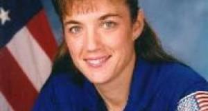 Cosa ha visto l'astronauta  Mary Anne Stefany Shyn-Piper durante la missione Atlantis?