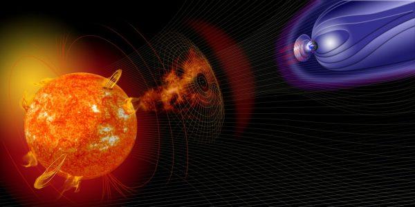 Forte eruzione solare, sciame di particelle diretto verso la Terra