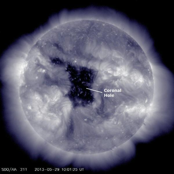 Buco coronale sta proiettando un onda di plasma verso la terra!