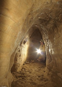 Il mistero dell'antica rete di tunnel sotterranei che collega la Scozia alla Turchia