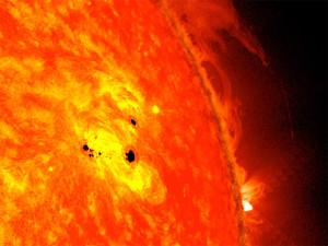 Il Solar Dynamics Observatory fotografa due regioni attive nel Sole