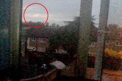 Filmata strana palla di fuoco in Inghilterra