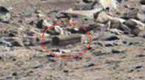 Curiosity fotografa una bara su Marte